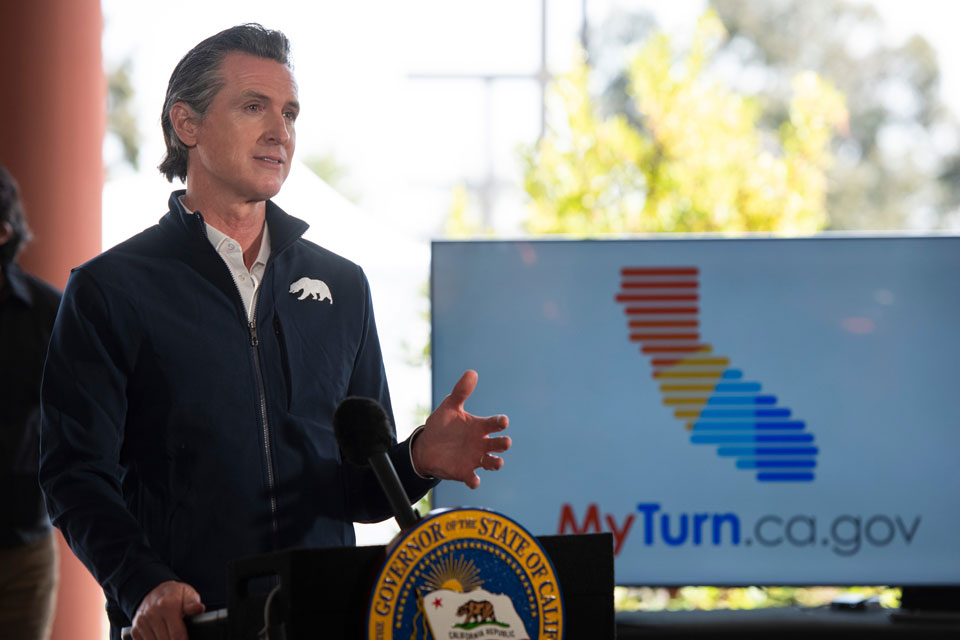 Gov. Newsom visits Cal State LA to mark opening of mass COVID-19 vaccination center