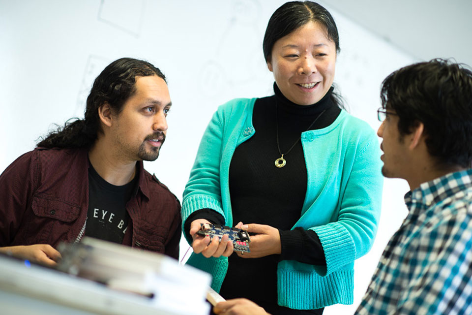 Cal State LA receives College Futures Foundation grant to increase transfer student success in STEM fields