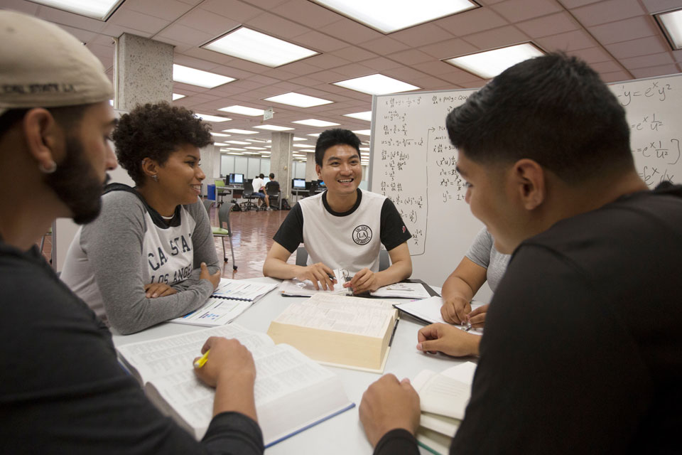 Students working together in the Cal State LA library