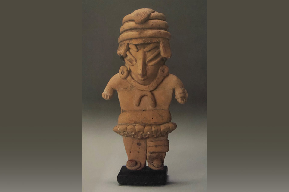 Standing Male Figure of Ballplayer; Mexico, Guanajuato, Chipicuaro; late pre-classic 200 BC-1 BC. (Credit: Cal State LA Special Collections & Archives/MAW Collection)
